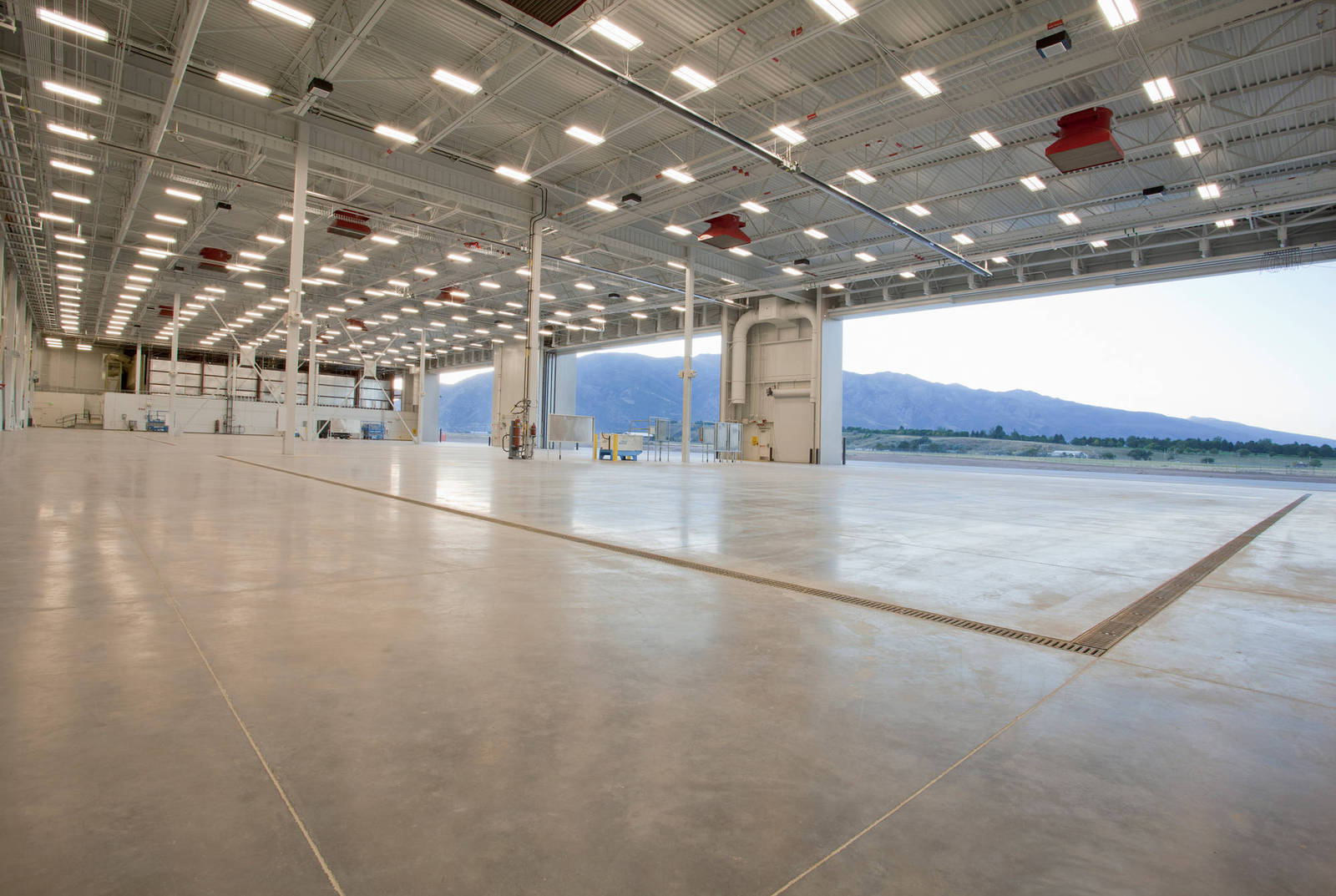 F 22 Heavy Maintenance Facility And Composite Back Shop